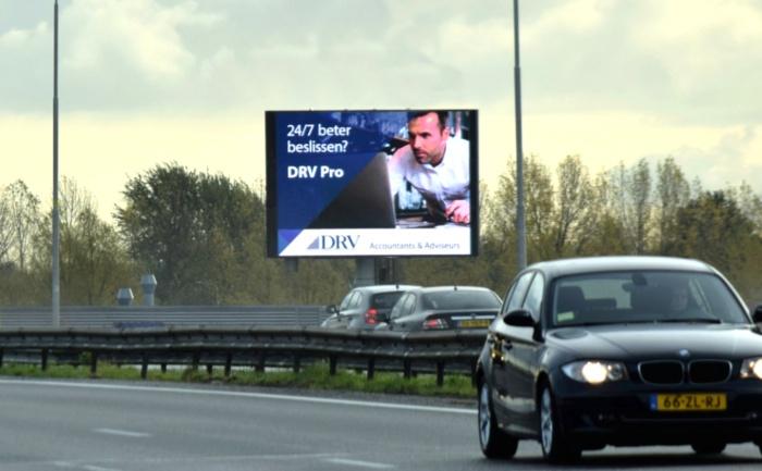 Digitale buitenreclame langs de snelweg